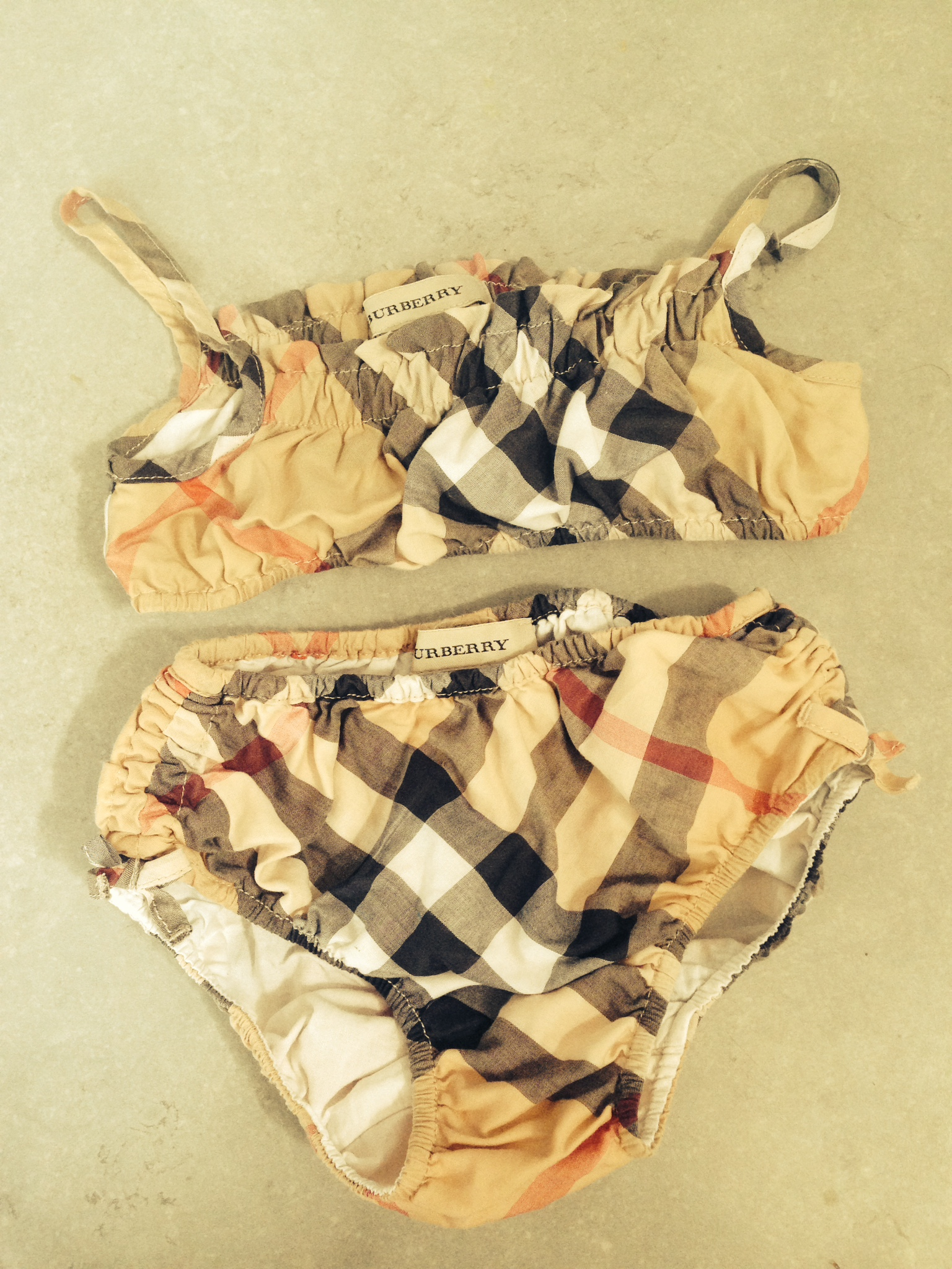 f5755a9e217 Vente en gros maillot bain burberry pas cher Pas cher - commulangues.be
